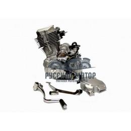 Двигатель 164FMM 200см3 (CG 200) (патрубок карбюратора, крышка ведущей звезды)